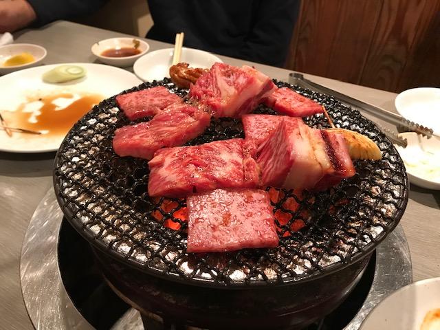 紅白の肉。おめでとうございます