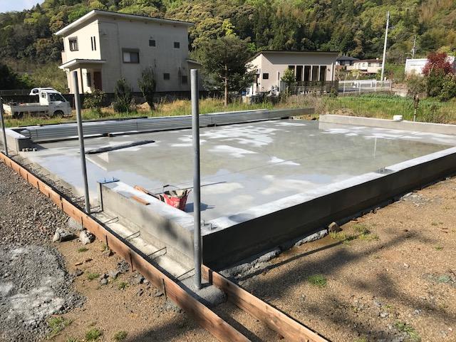 倉庫基礎、土間コンクリート打設後