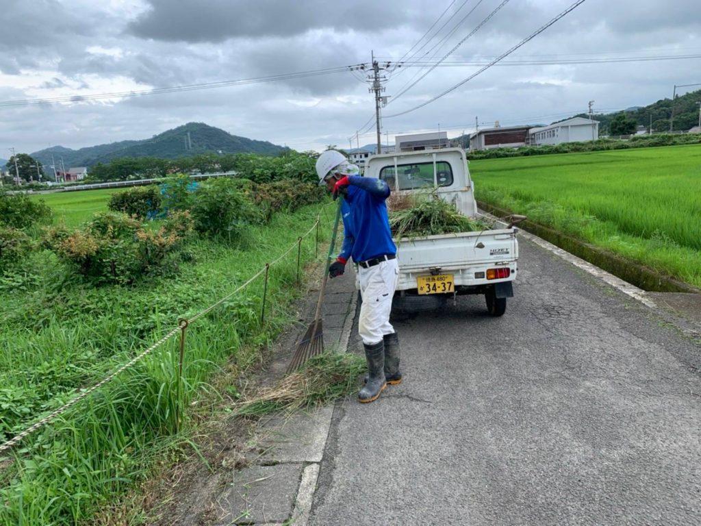 草刈り後の回収・運搬